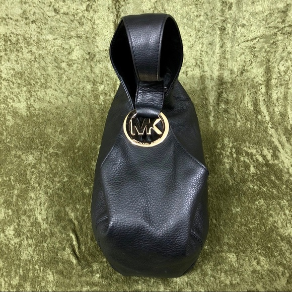 Michael Kors Handbags - 💞Michael Kors black leather bag
